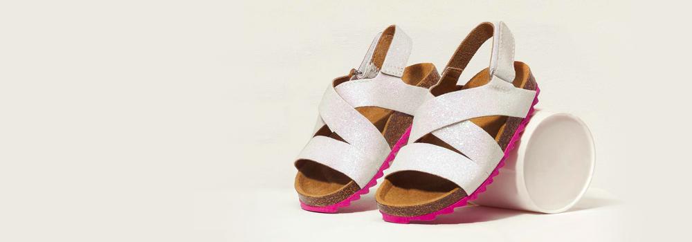 Сандали и ежедневни обувки за момичета